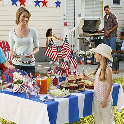 Backyard decorating ideas for the 4th of July
