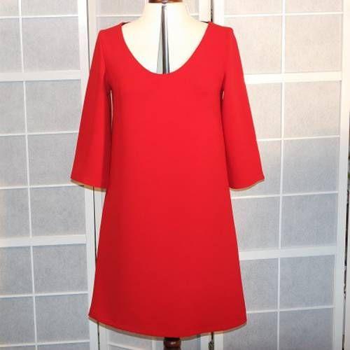0a681e2451e Robe trapèze rouge en crêpe de polyester rouge à manches 3 4
