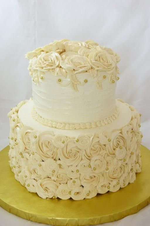 decorating a 2 tier cake with buttercream | buttercream round ...