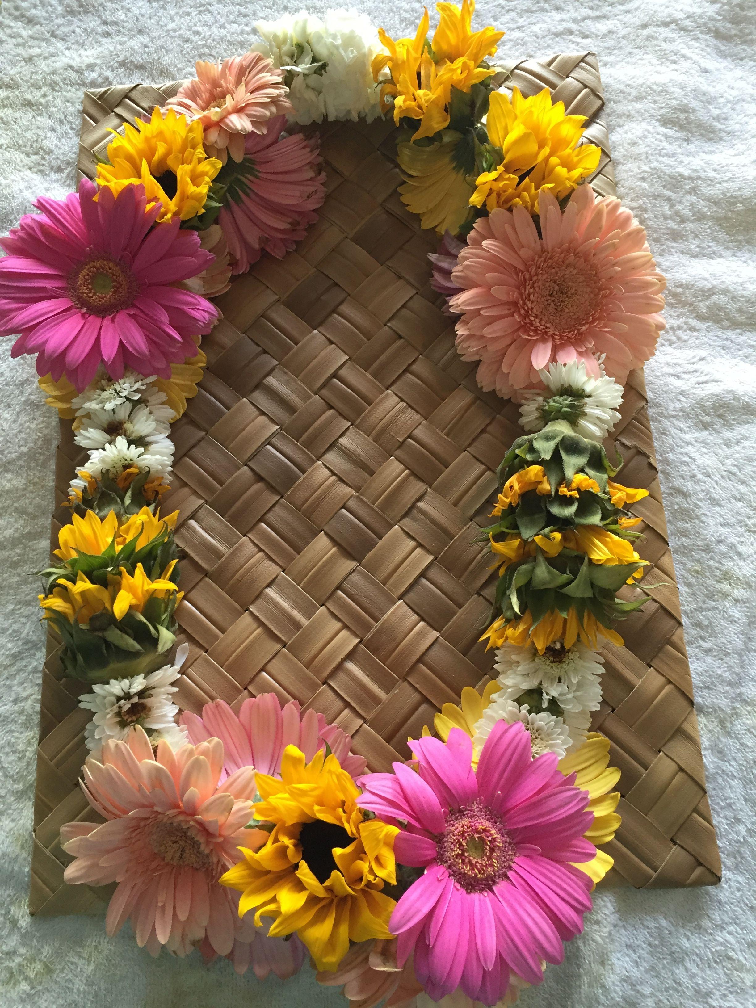 Sunflower lei hawaiian leis pinterest sunflowers leis and cap sunflower lei izmirmasajfo