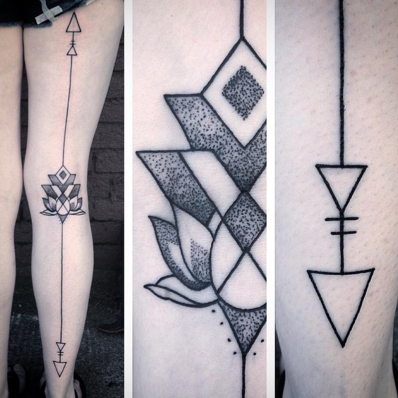 Tatuagem De Flor De Lotus Geométrica Na Perna Tatuagem