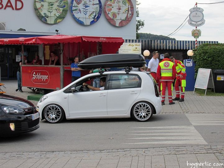 getunter vw up mit dachbox beim w rthersee 2014 technik. Black Bedroom Furniture Sets. Home Design Ideas