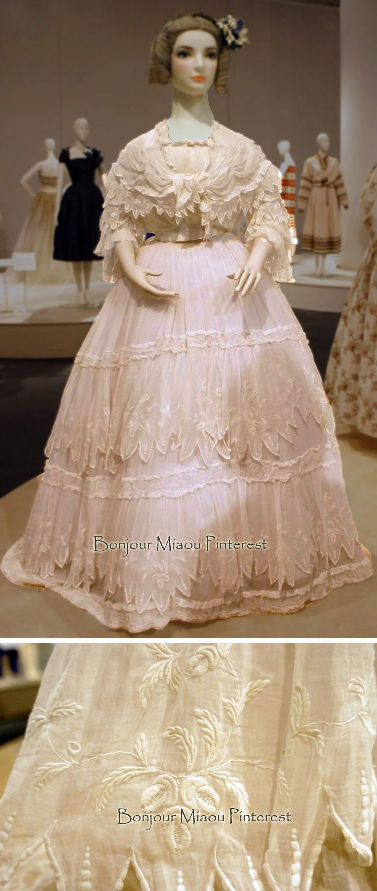 Summer Dress Ca 1860s Kobe Fashion Museum Facebook Historical Dresses Victorian Fashion Victorian Gown [ 1772 x 750 Pixel ]