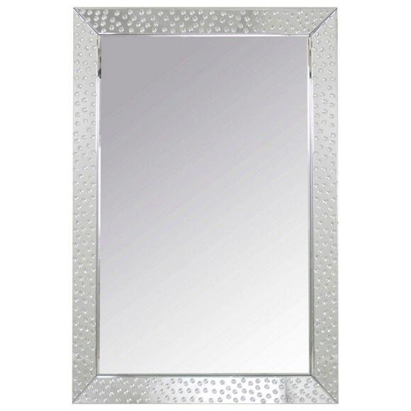 Dieser Spiegel in Silberfarben ist ein toller Hingucker in Ihrem Eingangsbereich, Wohn- oder Schlafzimmer. So haben Sie sich stets im Blick!
