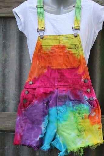 Gay pride rainbow tie pin
