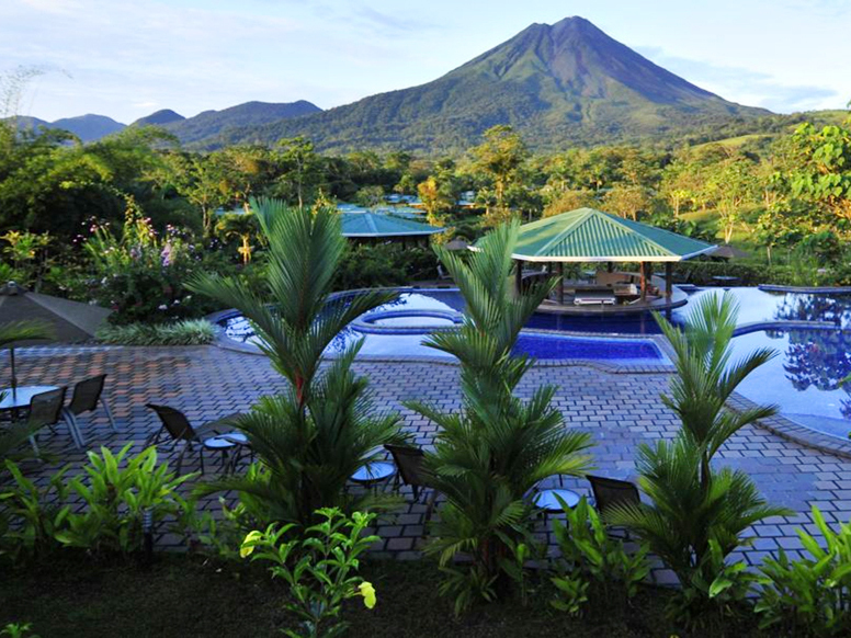 See the tropical beauty of Arenal, San Jose, and Costa Rican beaches on this eight-day trip with a car rental, courtesy of JetSet Vacations.   The Destination Cast between the warm Caribbean Sea and the coo...