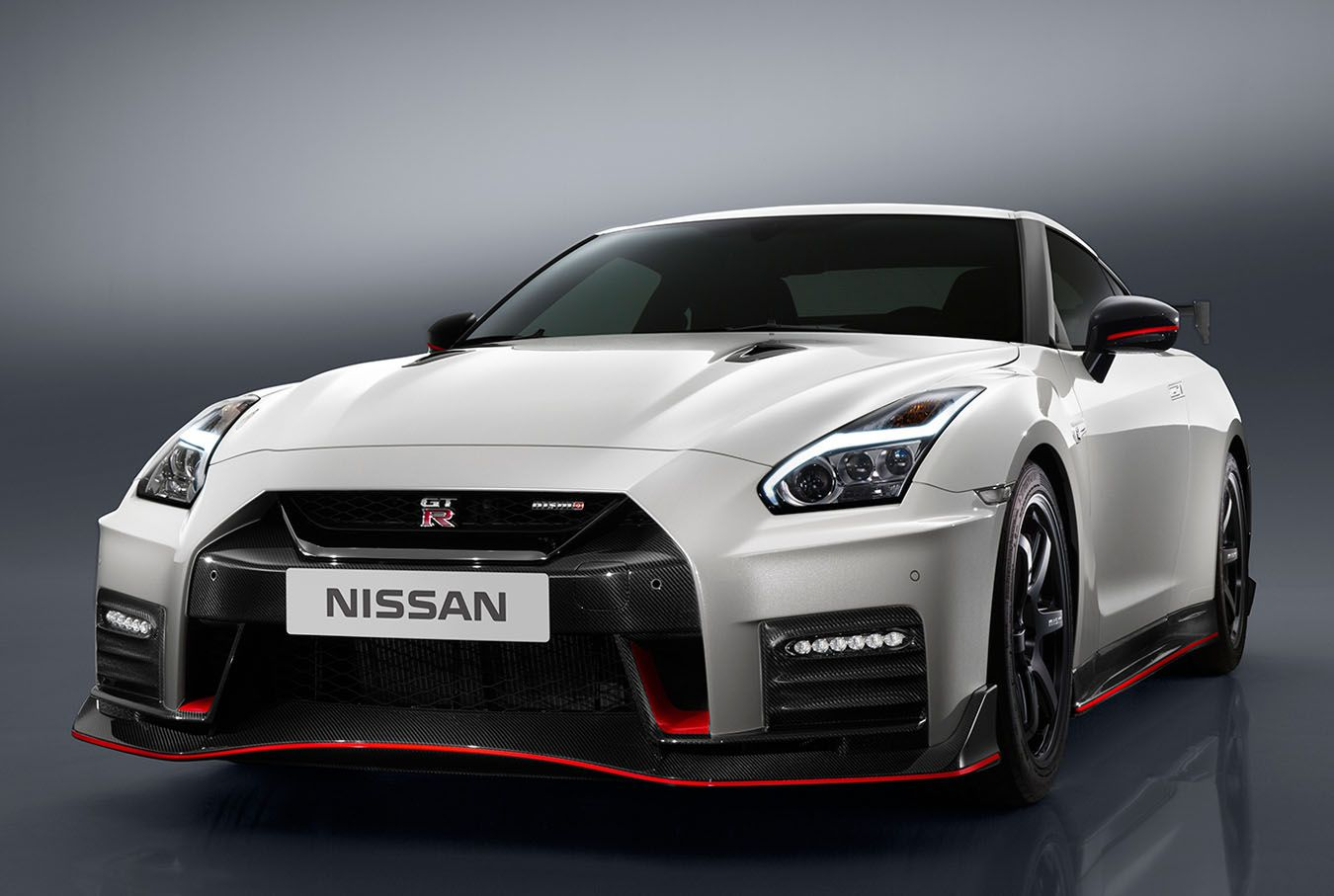 Image For 2017 Nissan Gt R Nismo Iphone Wallpaper Nissan