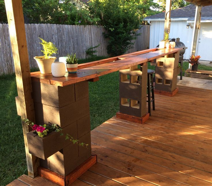 Diy outdoor cinder block bar cinderblock baroutdoor ideas for Wood outdoor bar ideas