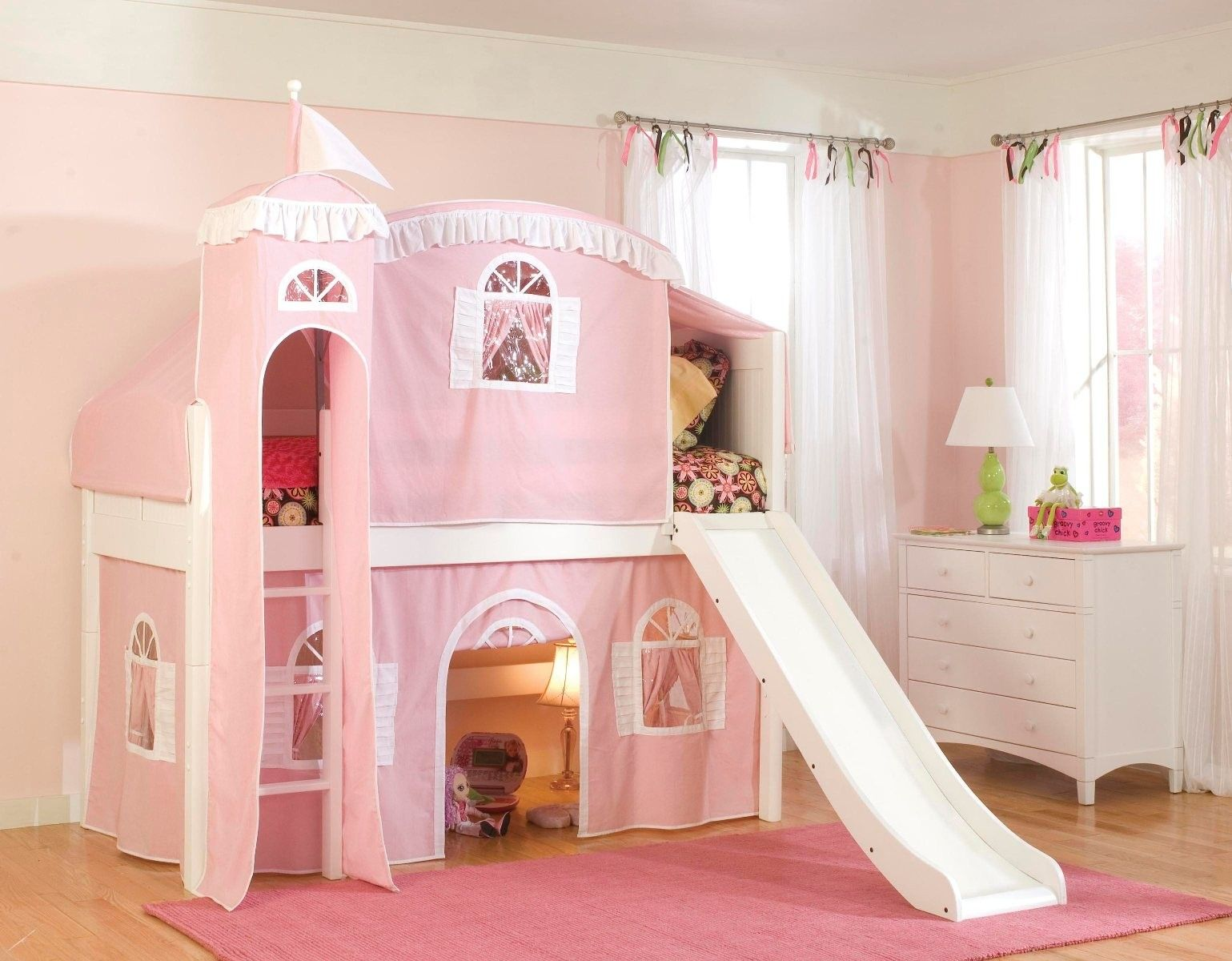 Treat Your Little Queen With Princess Bunk Bed With Slide In 2020 Loft Bed Low Loft Beds Castle Bed