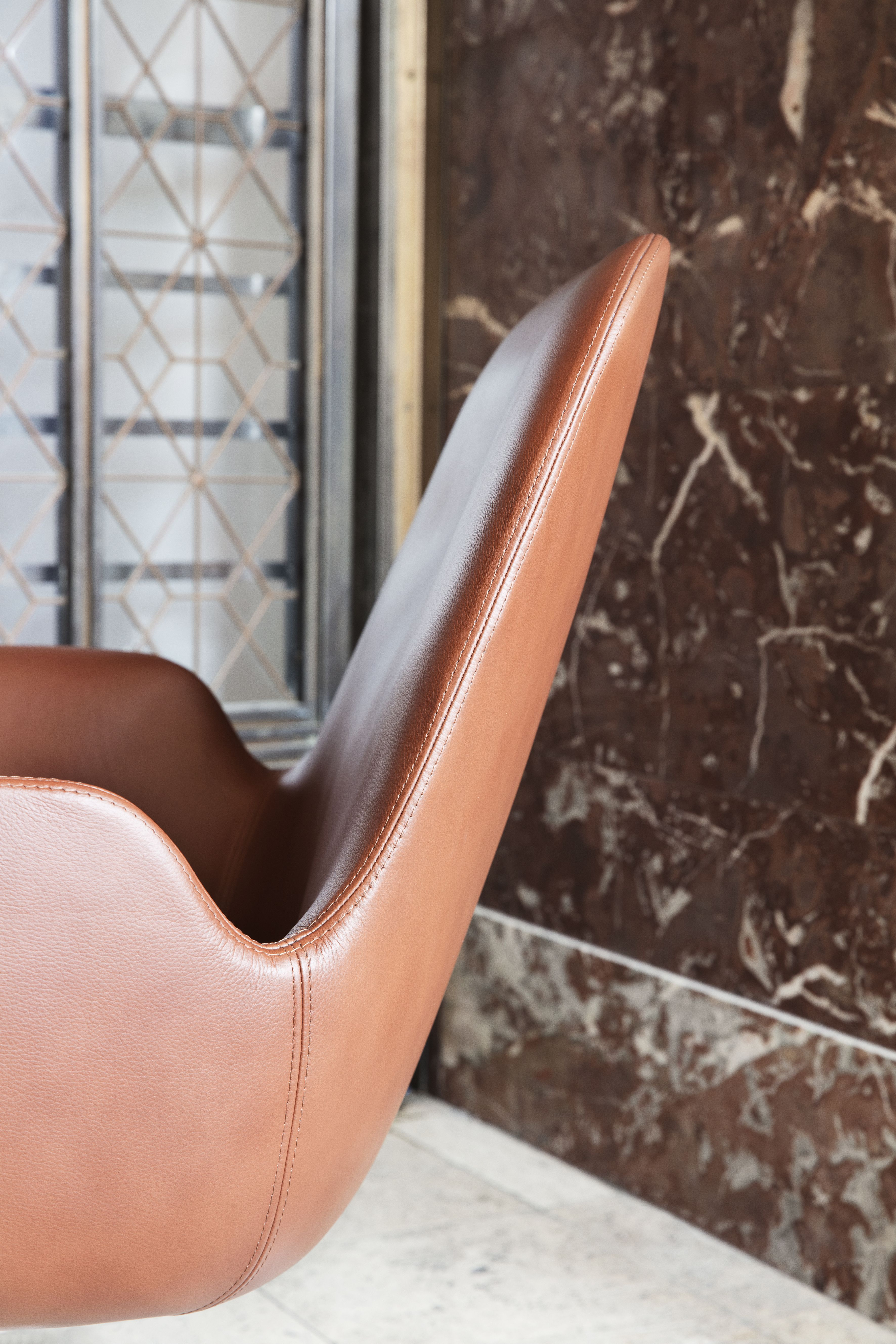 Fantastic Era Lounge Chair Classic Inviting Nostalgic And Curved Short Links Chair Design For Home Short Linksinfo