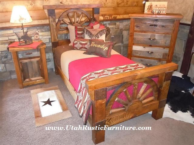 Bradleyu0027s Furniture Etc.  Wagon Wheel Barnwood Bedroom Collection