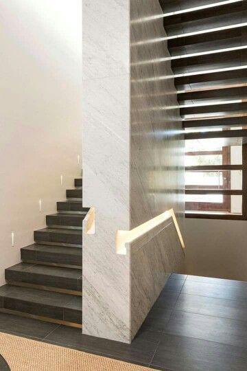 detalle en marmol para pasamanos de escalera