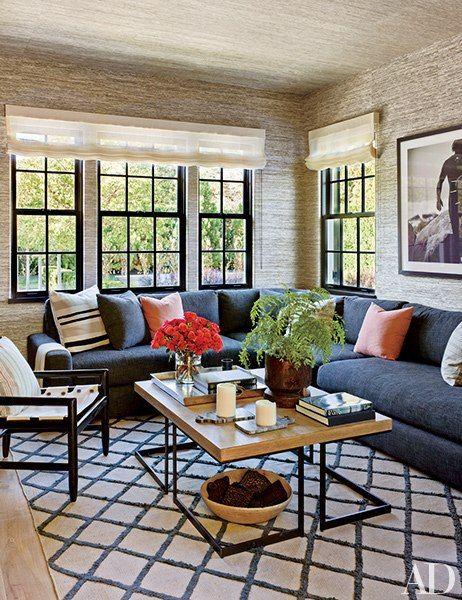 A Picturesque Retreat In Southampton Family Room Design Living