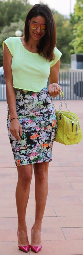 impactful yellow cap outfit 13