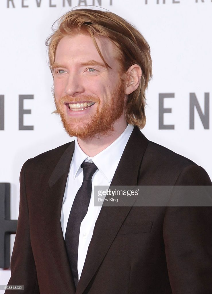 actor-domhnall-gleeson-attends-the-premiere-of-20th-century-fox-and-picture-id503343232 (739×1024)