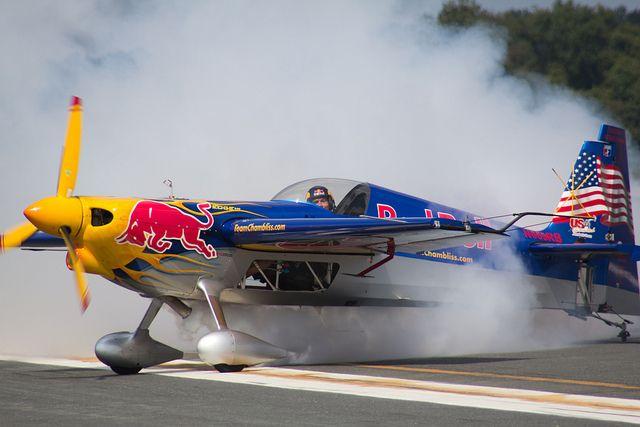 4144-1 Red Bull Stunt Plane | Dude | Stunt plane, Plane