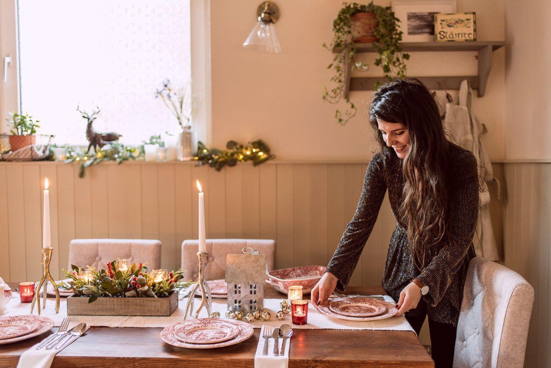 7 Tips For An Easy Elegant Christmas Table Elegant Christmas Christmas Table Decorations Table