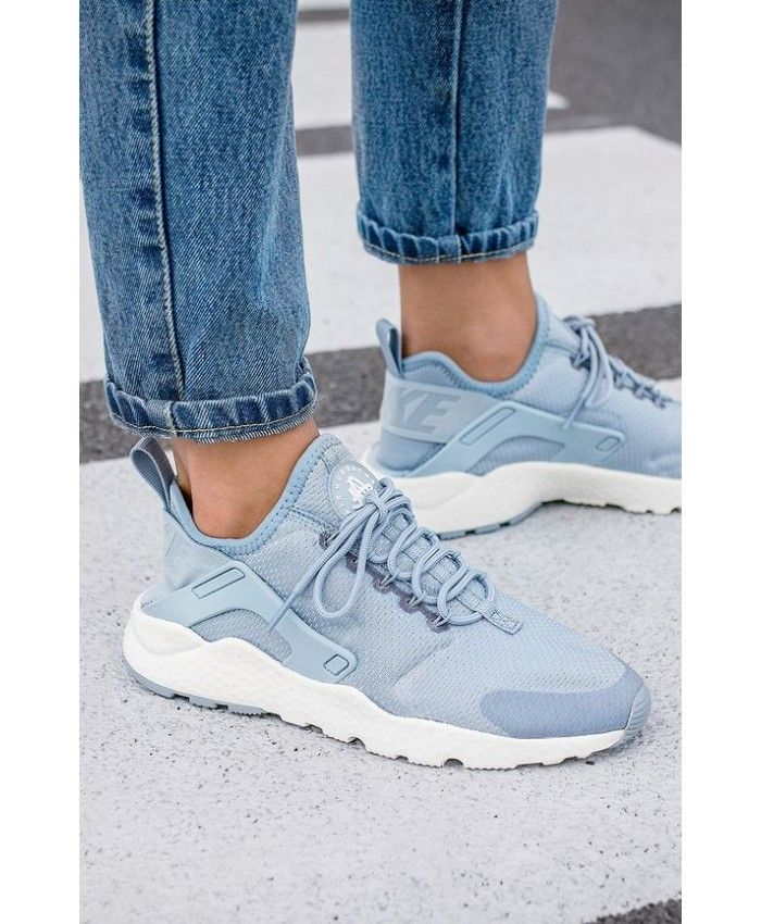 detailed look d4138 189b4 Nike Air Huarache Light Blue White Womens Trainers