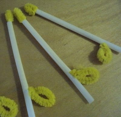 A Little Learning For Two: Straw and Pipe Cleaner Candles