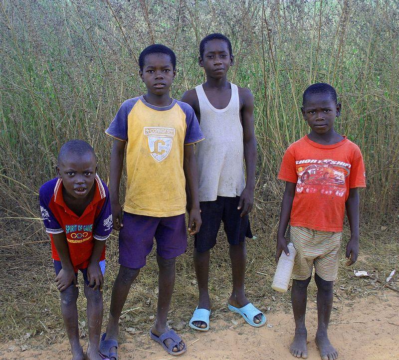 Children, Bintang Gambia
