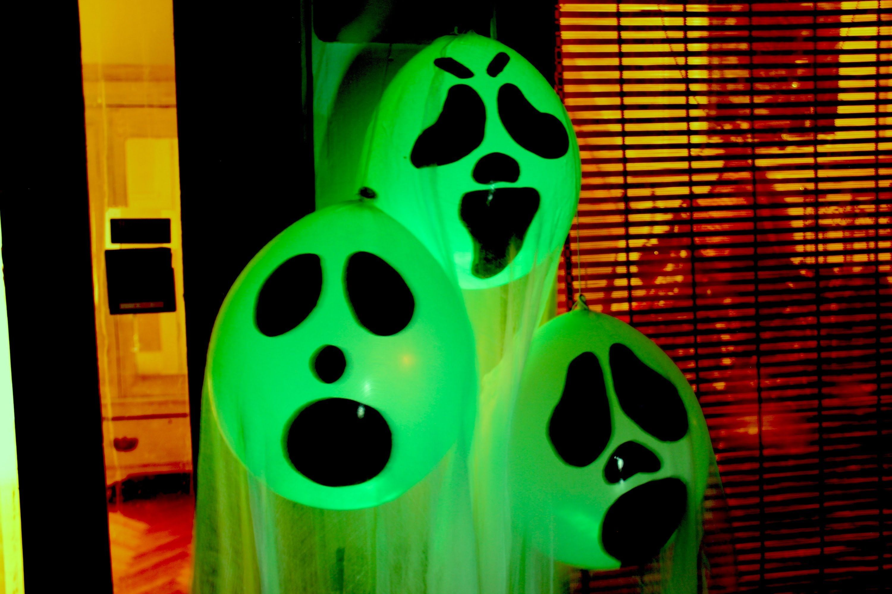 diy halloween props DIY Halloween Ghost Glow Balloons - Yard - Halloween Ghost Decorations