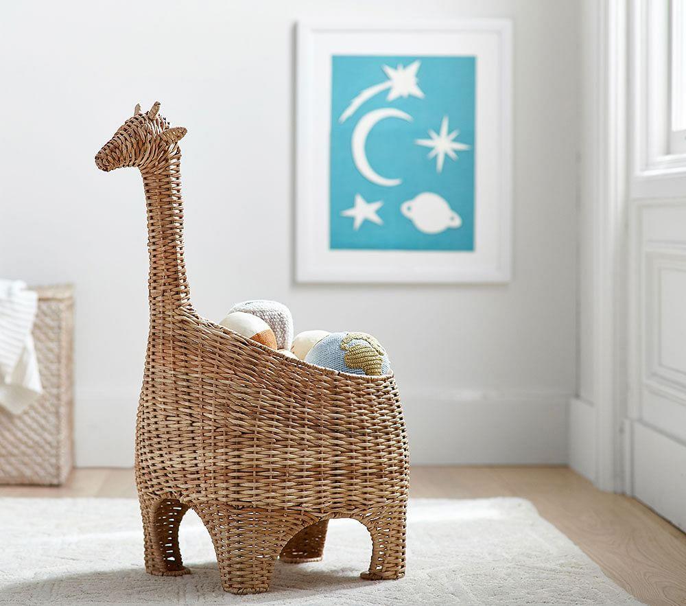 Giraffe Shaped Wicker Basket In 2020 Wicker Pottery