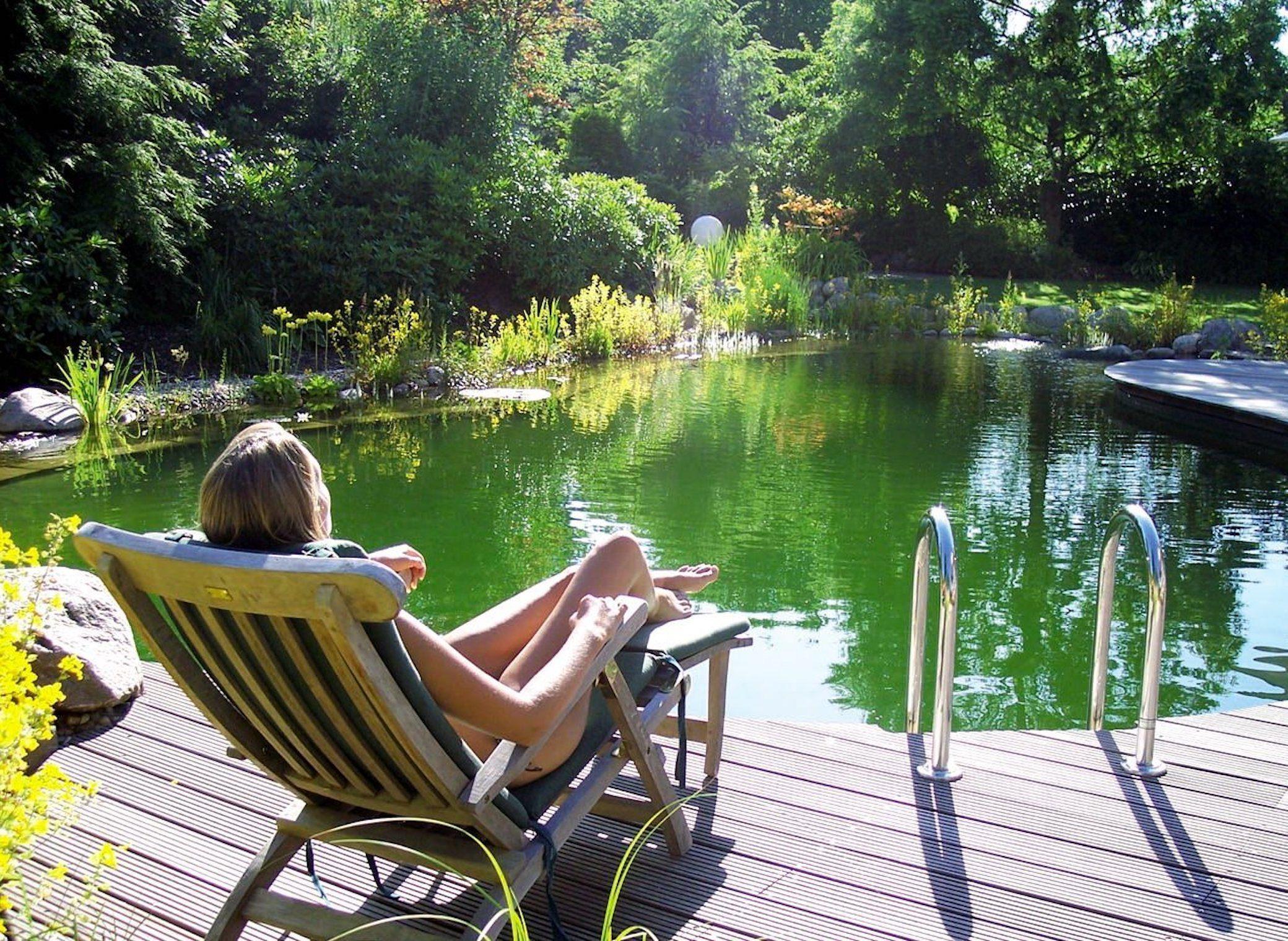 Wie Ware Es Mit Einem Schwimmteich Im Garten Kleiner Pool Ideen Schwimmteich Und Naturschwimmbecken