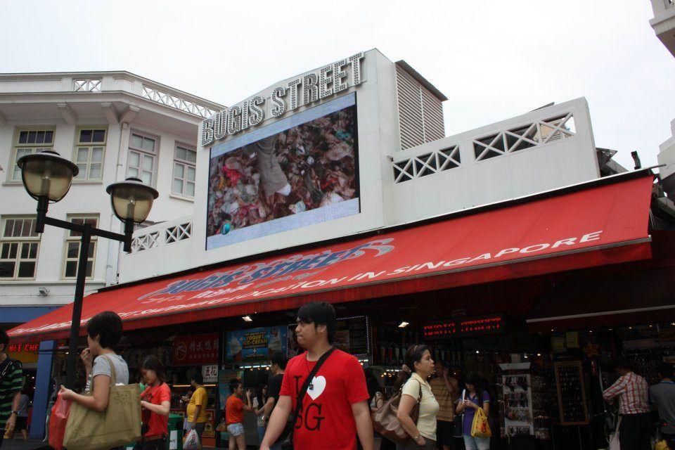 Bugis Street Bisa Dibilang Ini Mangga Duanya Singapore Tempat Belanja Murah Meriah Di Sebenarnya Nama Jalan Tapi Sekarang Udah
