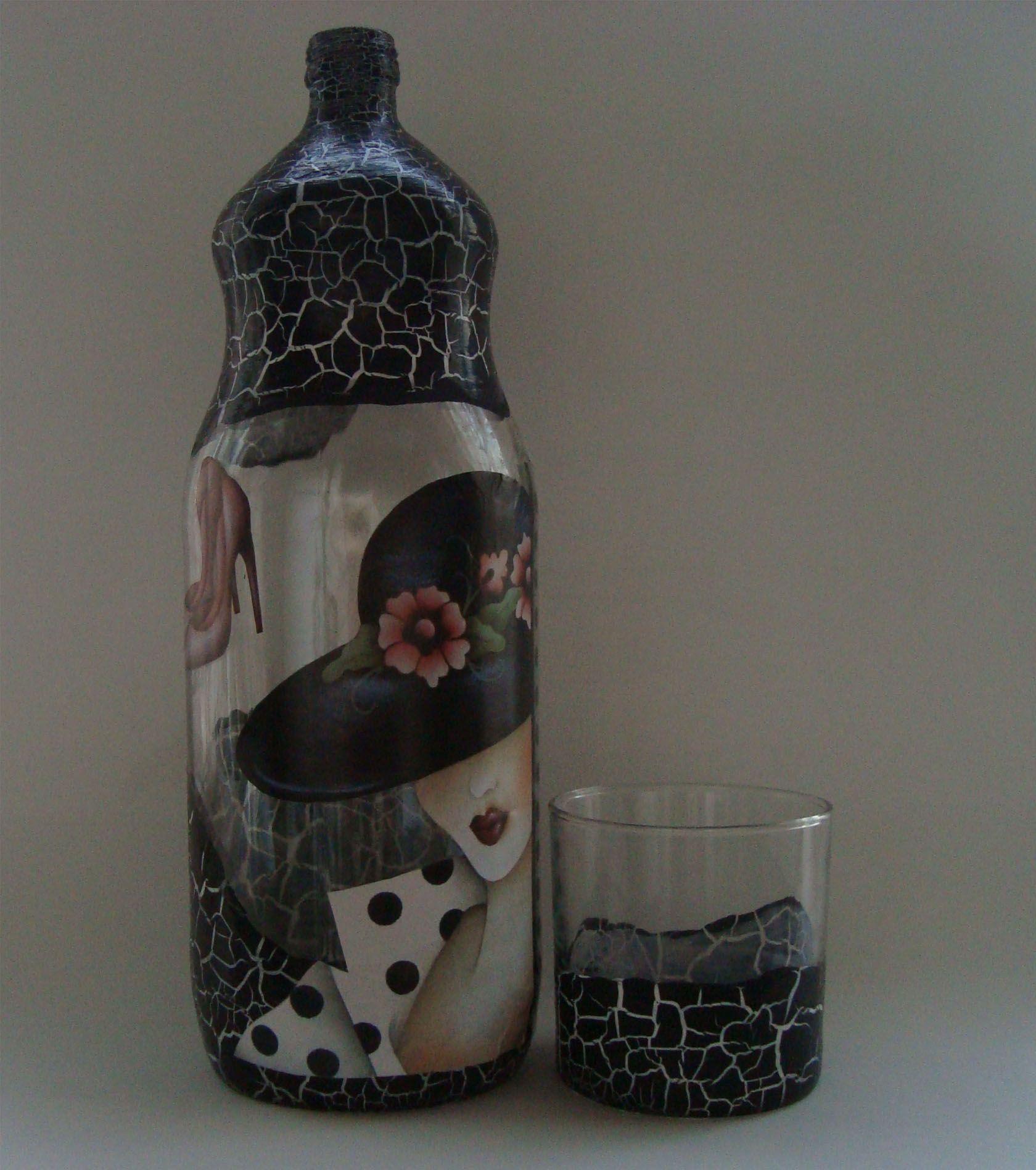 Aparador Zara Home ~ garrafa com craquel u00ea e Decoupage ARTESANATO EM GARRAFAS DE VIDRO Pinterest Garrafas