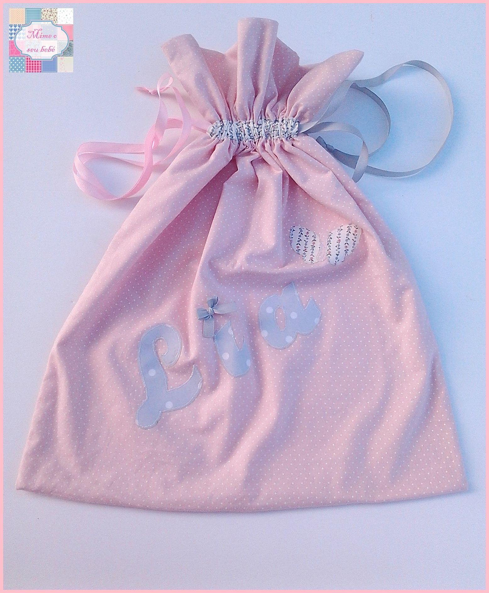 Saquinho para colocar a roupinha suja da maternidade da princesa Lia <3.   +INFO: mimeoseubebe@gmail.com ou mensagem privada   #mimeoseubebe #fsaquinho #enxovaldebebé #enxovaldemenina