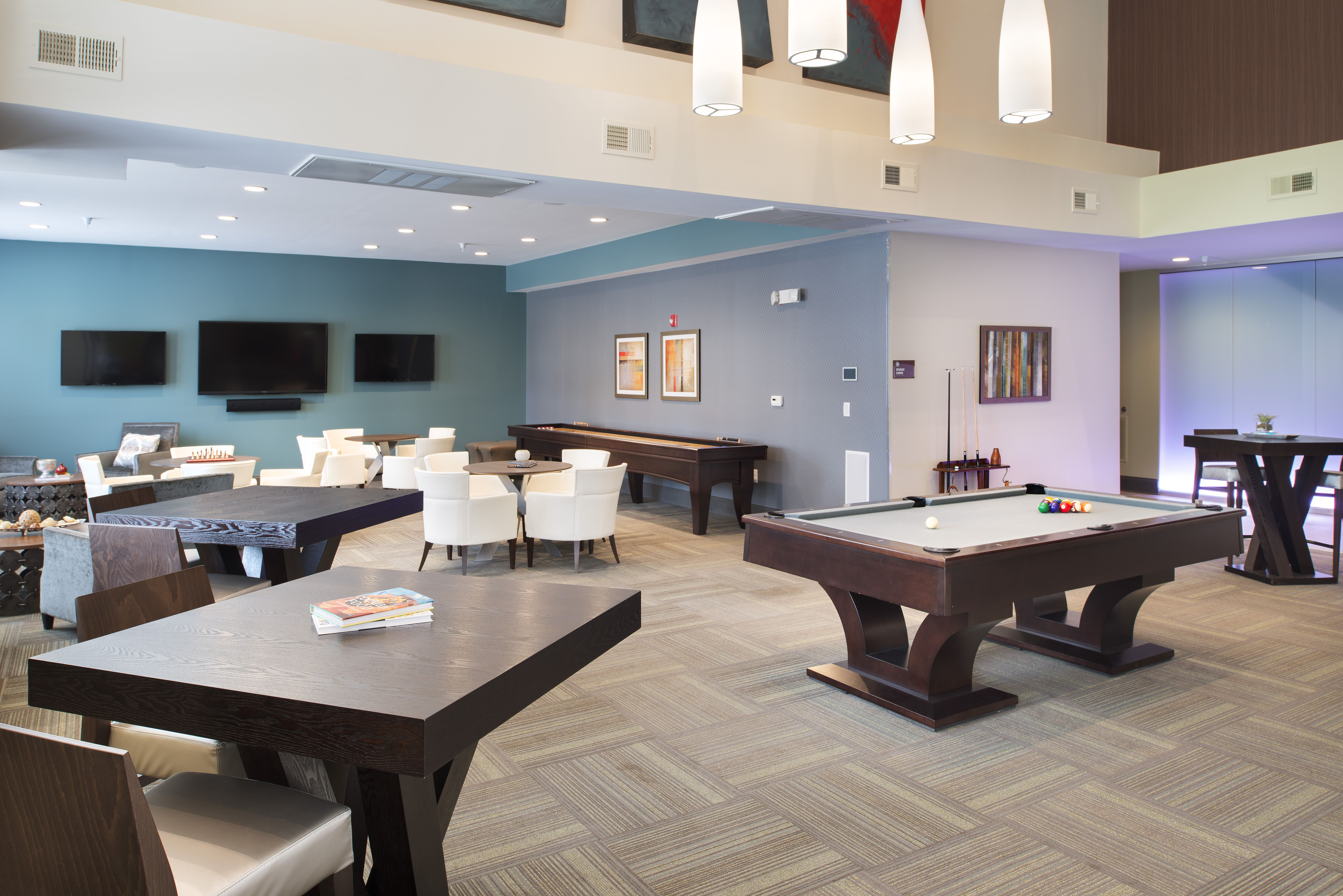 Game And Seating Lounge At The Boulevard At Oakley Station Located In Cincinnati Ohio Apartments For Rent Bedroom Apartment Apartment