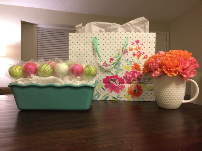 Coordinating presents-- how to combine and coordinate all parts of a present to display