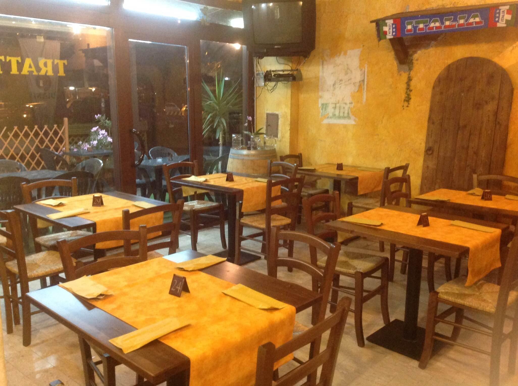 Pin by sedie tavoli ristoranti maiero on arredi eseguiti for Arredamenti per birrerie