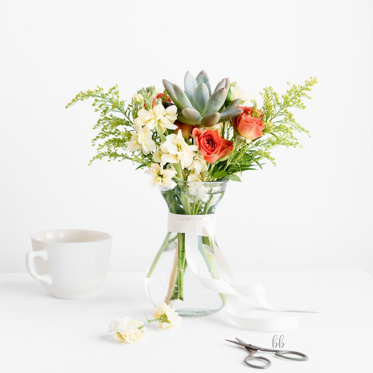 Trader Joe S Flowers Deconstructed Keeping With The Times Flower Arrangements Flowers Wedding Flowers