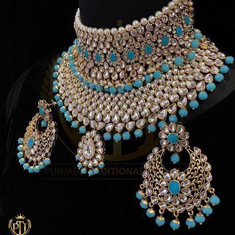6d7c2b296ee amaizing heavy indian jewelry. kundan bridal jewelry   bridaljewelrywearmorethanonce Joias Indianas