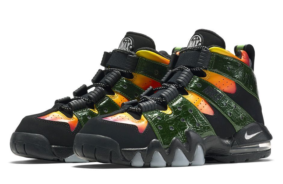 The Nike Air Max CB \u002794 goes beastmode with this latest look for the  classic Charles Barkley signature shoe for kids. The beast in particular  that we\u0027re ...