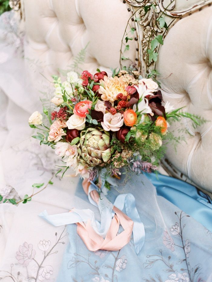 Lavishness of herbs and plants, deep wine shades, solemnity of hydrangeas and delicate grace of ranunculus and garden roses| fabmood.com