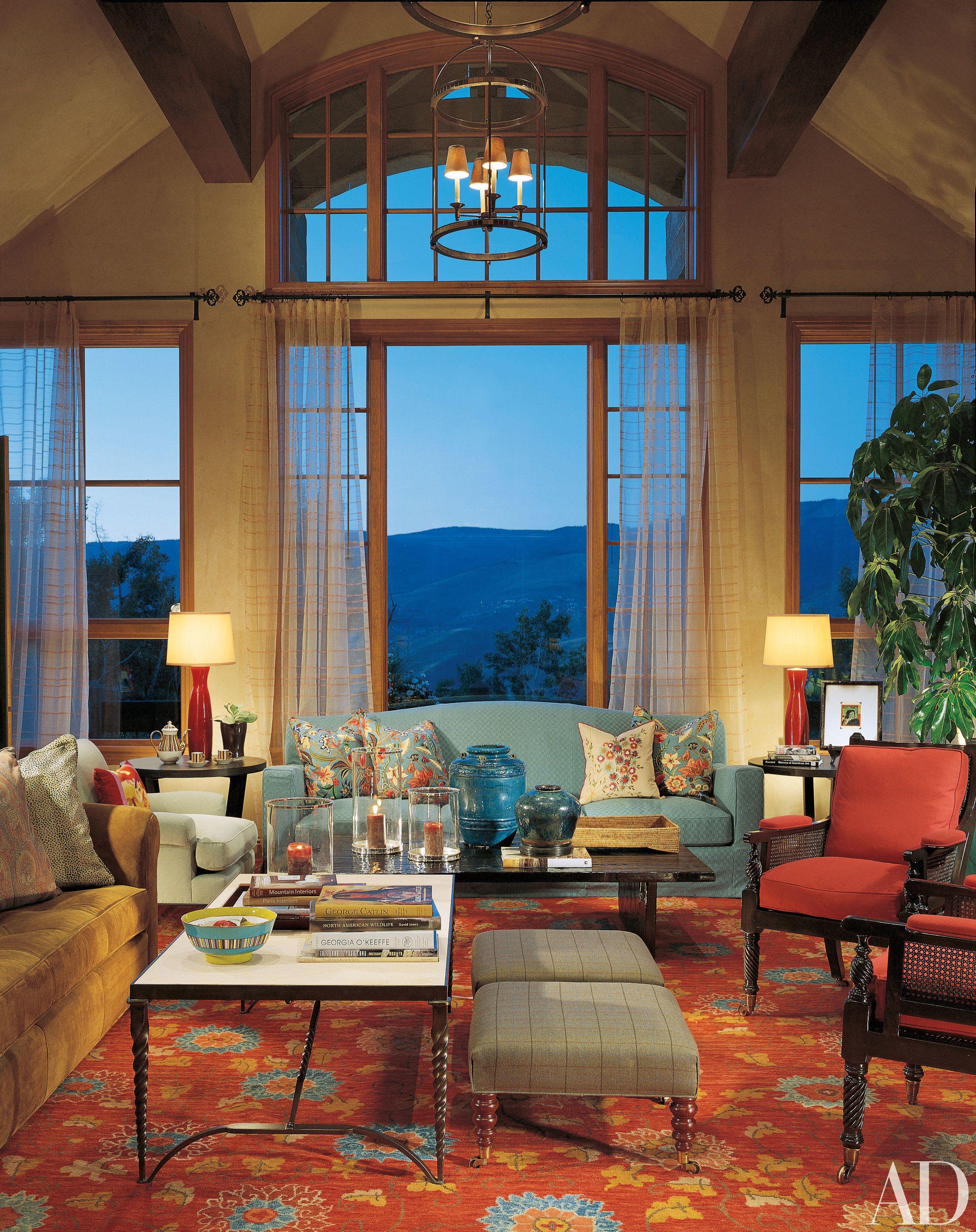 Take A Peek Inside 25 Living Rooms In Actors Homes Inside Celebrity Homes Celebrity Houses Architectural Digest
