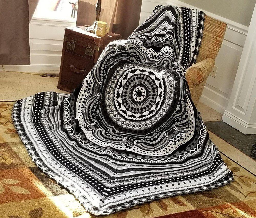 Ziggy's Odyssey Crochet pattern by Nickie Chapin #crochetmandalapattern