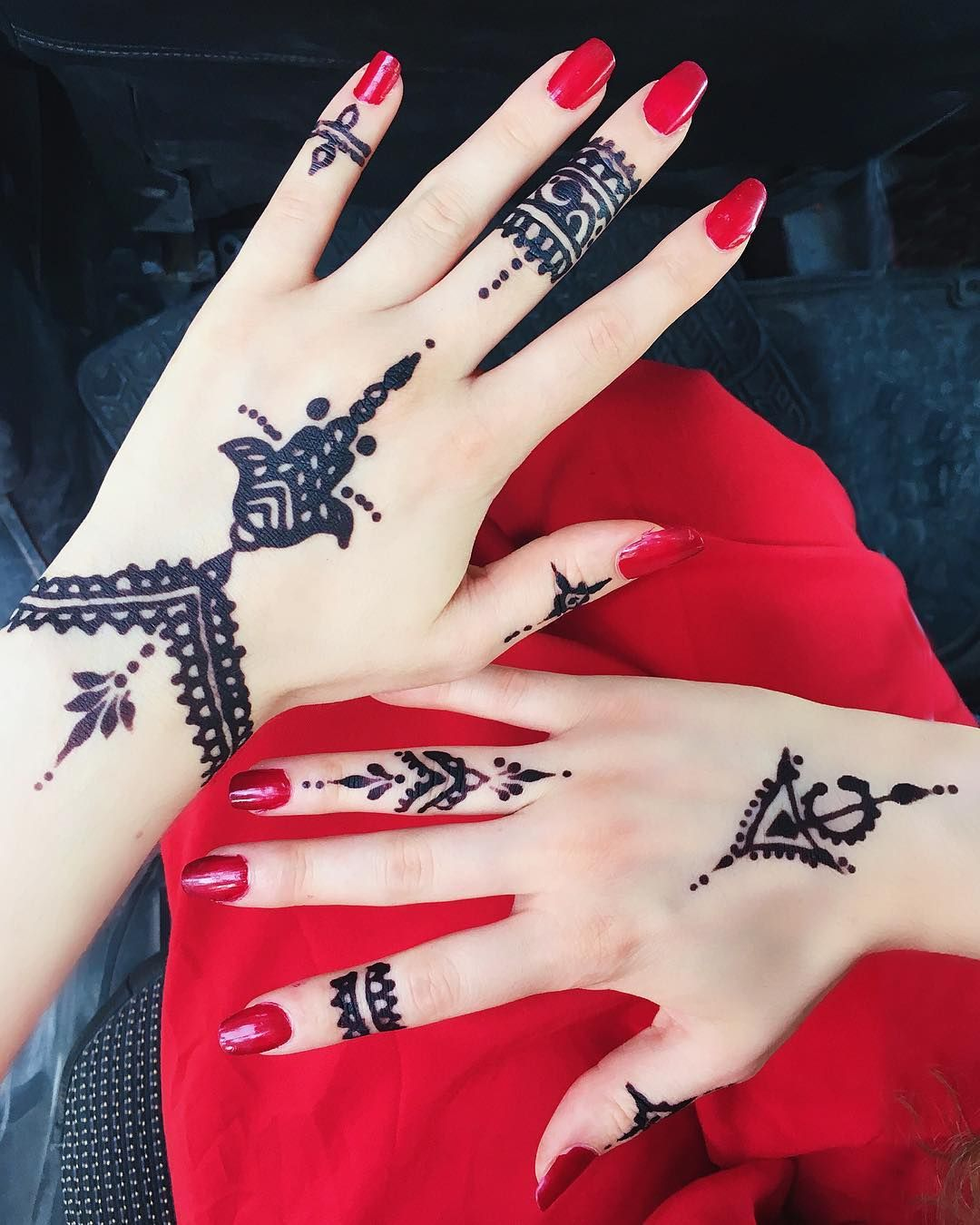 1000 ideas about traditional henna designs on pinterest traditional - Traditional Tunisian Symbols For This Year S Henna Design Did You Know In Tunisia Black Henna