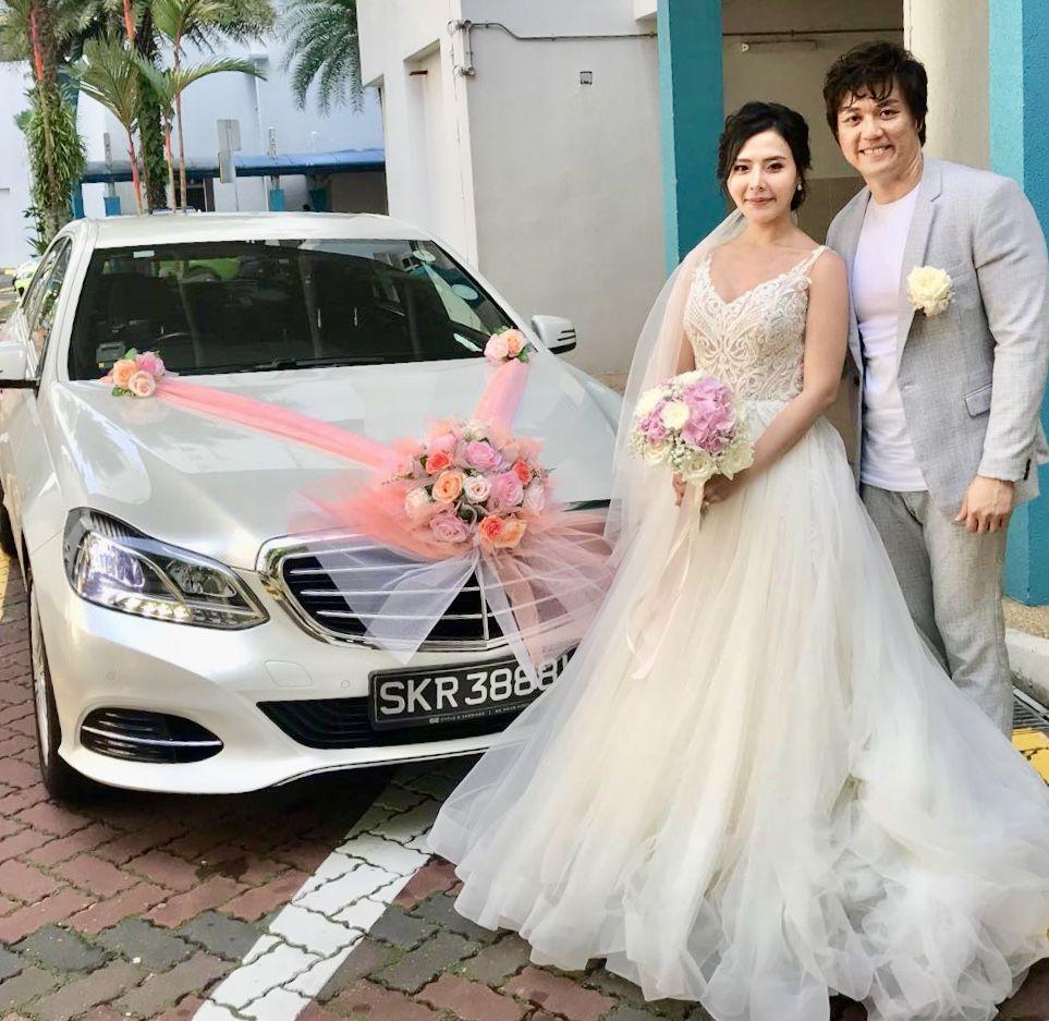 2019 的 White Mercedez E200 婚礼 主题