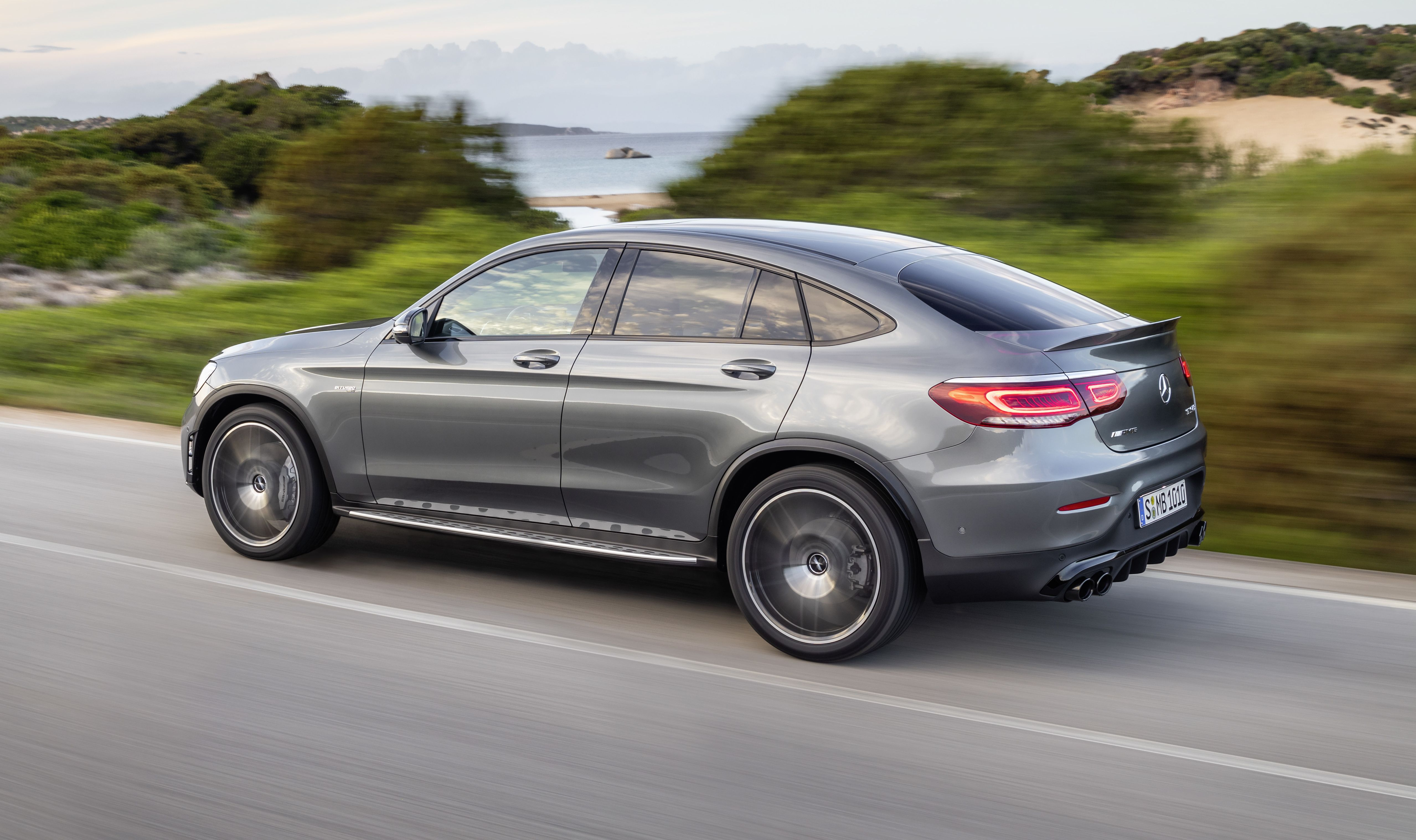 Mercedes Amg Glc43 Unveiled With Aggressive Looks And Beefed Up