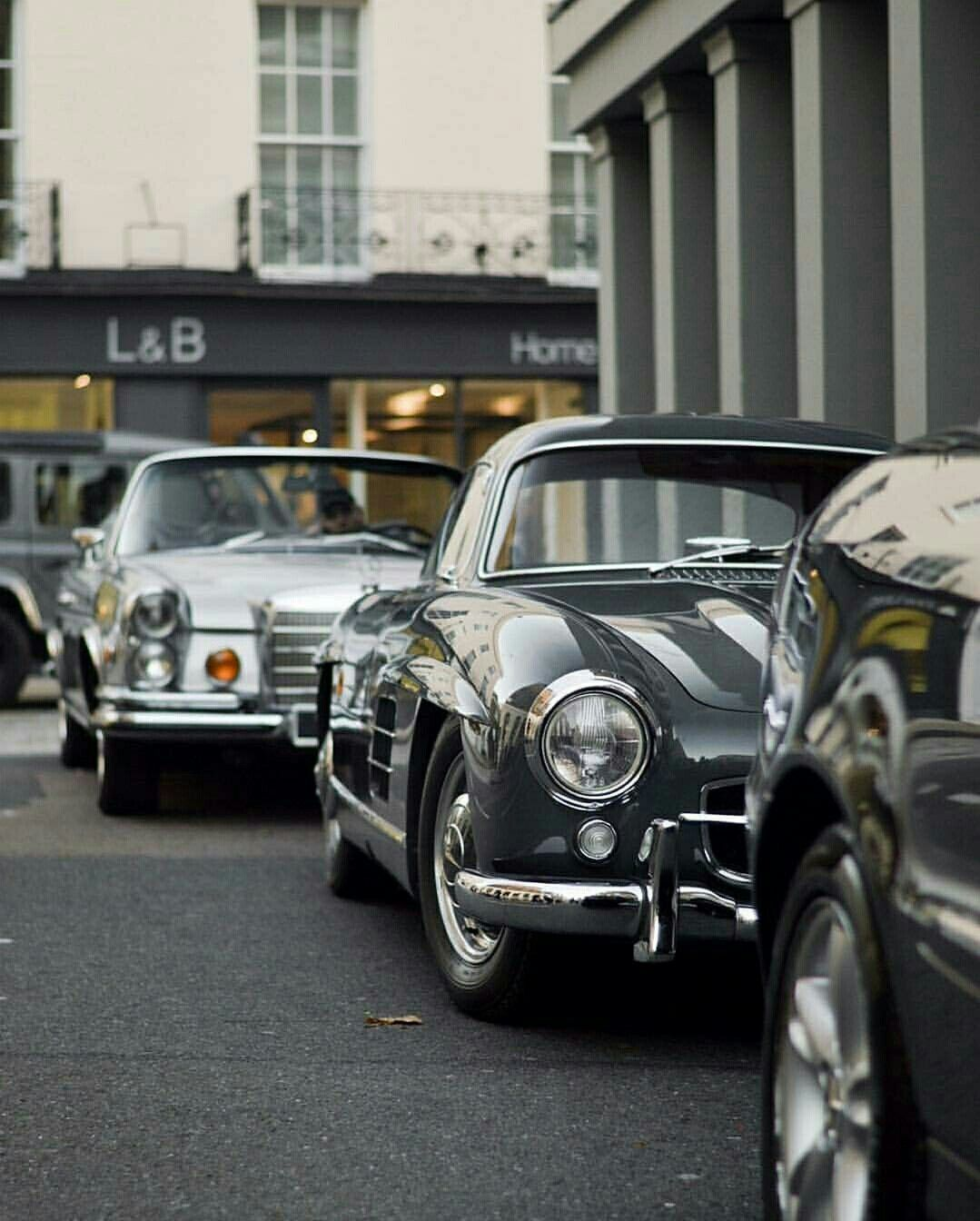 Pin by Classic Car News Pics And Videos on Mercedes classic cars ...