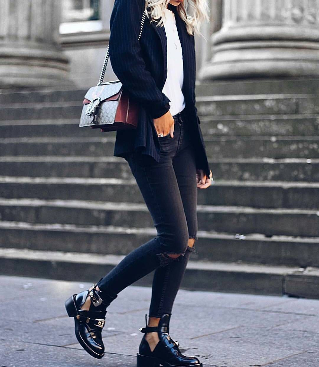 25ddc7c20db4 Cut out balenciaga ankle boots outfit for fall and winter ...