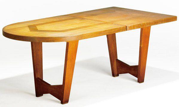 GUILLERME ET CHAMBRON, TABLE DE SALLE A MANGER 1950 EN CHENE CIRE