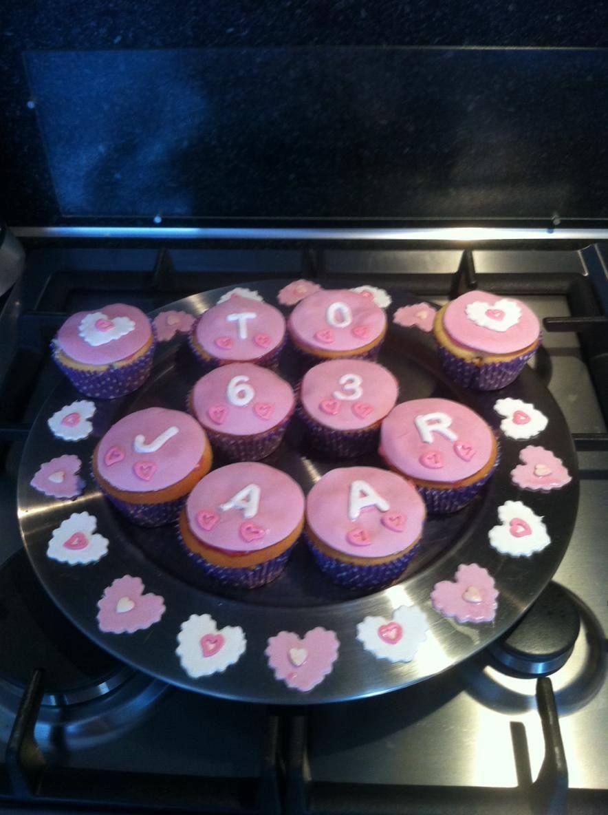 13-02-16 Suikervrije cup cakes met bosbessenvulling