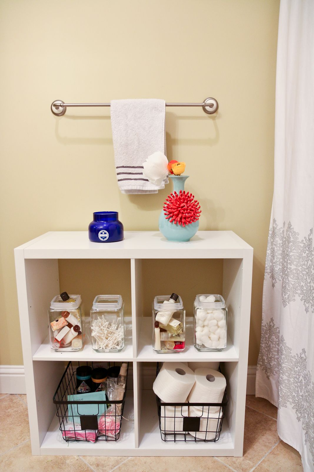 Bon Organize Your Guest Bathroom So That Necessary Supplies For Guests Are  Displayed Neatly In An Organizer