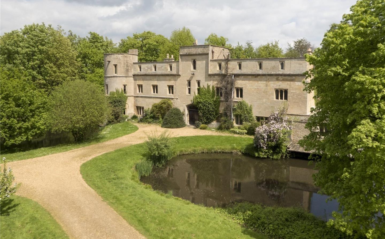 Has A Moat Savills Woodcroft Castle Maxham S Green Road Etton Peterborough Pe6 7hw Property For Sale Property For Sale Castle Property