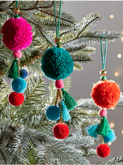 Christmas Tree Decorations Traditional Gold Silver Glass Baubles Uk Pom Pom Decorations Affordable Christmas Decorations Christmas Diy