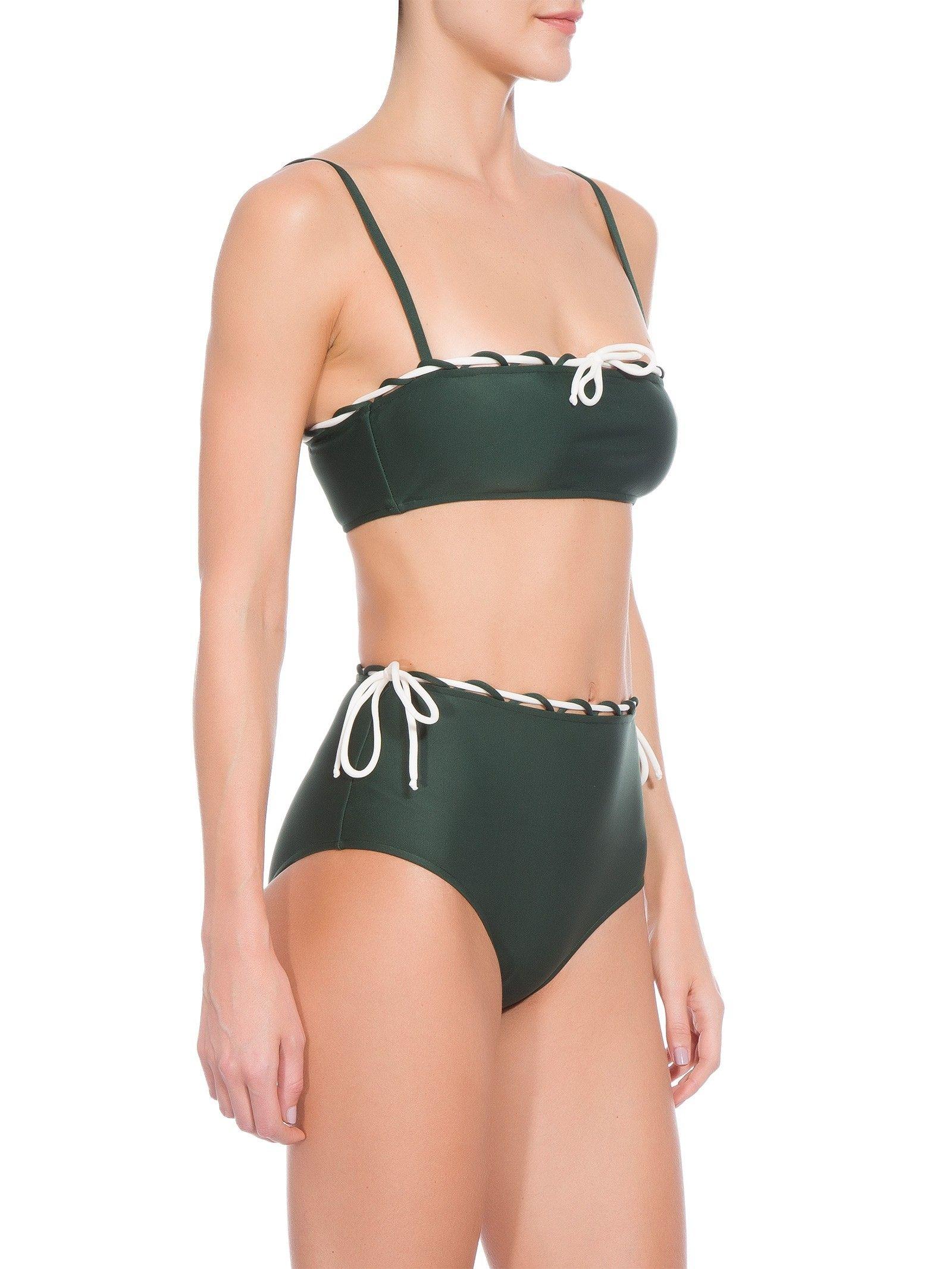 2d44bd65cd2e Biquíni Hot Pants Detalhe Cordão, Adriana Degreas. O biquini verde é  confeccionado em malha